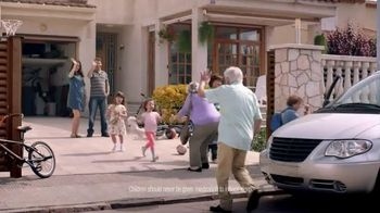 Vicks ZzzQuil TV Spot, 'Sleep Like the Kids are Away' - Thumbnail 6