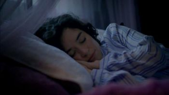 Vicks ZzzQuil TV Spot, 'Sleep Like the Kids are Away' - Thumbnail 9