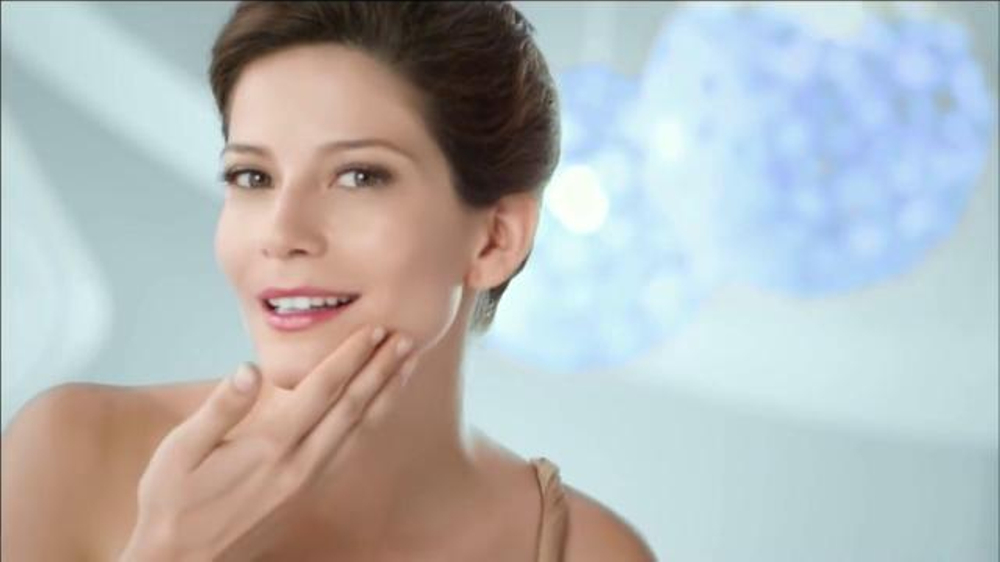 Teatrical Skin Lightening Cream Commercial Televisivo