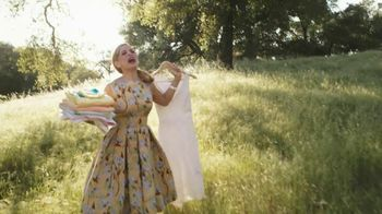 Downy Unstopables TV Spot Featuring Amy Sedaris - Thumbnail 8