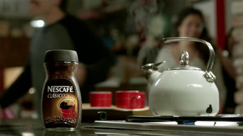 Nescafe Clásico TV Spot, 'Coffee o Café' [Spanish] - Thumbnail 3