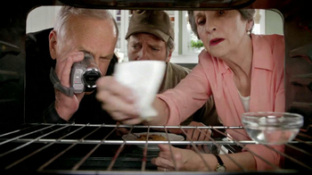 Viva Towels TV Spot, 'Viva Dare: Oven' Featuring Mike Rowe - Thumbnail 3