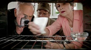 Viva Towels TV Spot, 'Viva Dare: Oven' Featuring Mike Rowe - Thumbnail 3