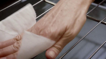 Viva Towels TV Spot, 'Viva Dare: Oven' Featuring Mike Rowe - Thumbnail 4