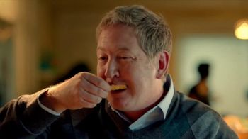 Tostitos Cantina Chips TV Spot, 'Mexican Restaurant' - Thumbnail 4