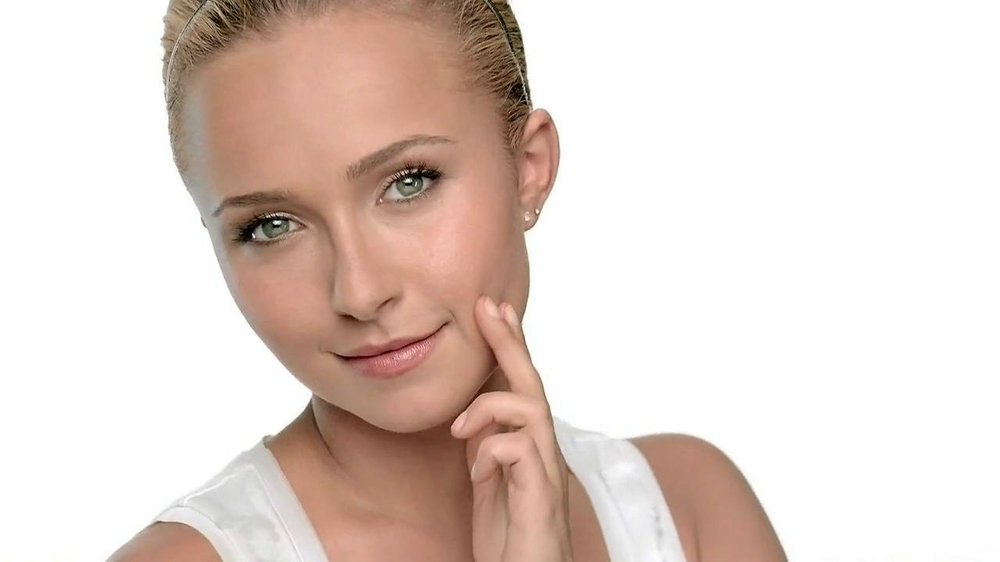 Neutrogena Cosmetics Shine Control Makeup TV Commercial Featuring Hayden Panettie