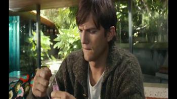 Lenovo YOGA 3 Pro TV Spot, 'Onesie' Featuring Ashton Kutcher - Thumbnail 2