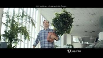 Experian TV Spot, 'Credit Swagger' - Thumbnail 10