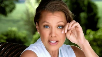 Clear Eyes TV Spot, 'The Outdoors' Featuring Vanessa Williams - Thumbnail 2