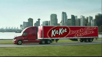KitKat TV Spot, 'Break Time All Over Town' - Thumbnail 7