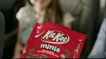 KitKat TV Spot, 'Break Time All Over Town' - Thumbnail 3
