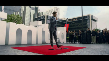 Verizon Unlimited TV Spot, 'Drop the Mic' Featuring Thomas Middleditch - Thumbnail 8