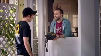 Pizza Hut Wing Street TV Spot, 'No Pants Required'