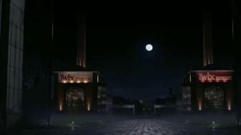 Twix TV Spot, 'Toda la noche' [Spanish]