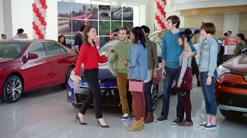 Toyota 1 for Everyone Sales Event TV Spot, 'Posse: 2016 RAV4' - Thumbnail 6