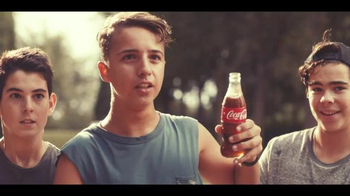 Coca-Cola TV Spot, 'Brotherly Love' Song by Avicii - Thumbnail 6
