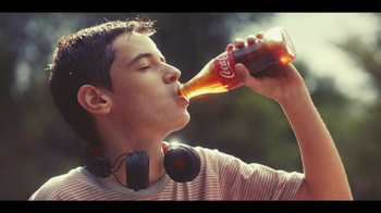 Coca-Cola TV Spot, 'Brotherly Love' Song by Avicii - Thumbnail 9