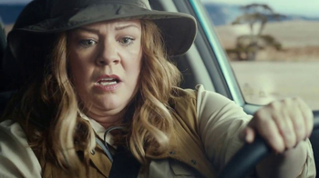 Kia Niro Super Bowl 2017 Teaser, \'Melissa McCarthy Escapes With Her Camera\'