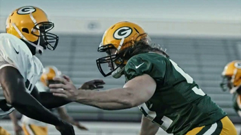 Microsoft Surface TV Spot, \'Clap Your Hands\' Featuring Clay Matthews