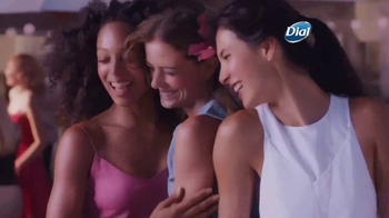 Dial Hibiscus Water Body Wash TV Spot, 'Seres queridos' [Spanish] - Thumbnail 7