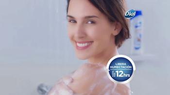 Dial Coconut Milk Body Wash TV Spot, 'Acércate' [Spanish] - Thumbnail 6