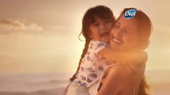Dial Coconut Milk Body Wash TV Spot, 'Acércate' [Spanish] - Thumbnail 8