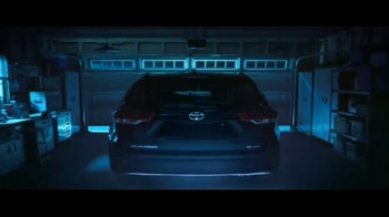 2017 Toyota Highlander TV Spot, 'Discovery Machine' - Thumbnail 1