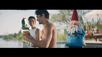 Travelocity TV Spot, 'Resort Bar'