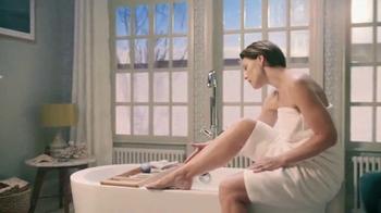 Venus Embrace Sensitive TV Spot, 'Party Prep'