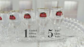 Stella Artois TV Spot, 'Water for Women' Featuring Matt Damon - Thumbnail 7
