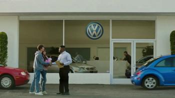 2018 Volkswagen Atlas TV Spot, 'Luv Bug' Song by Dean Martin