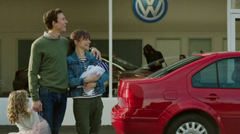 2018 Volkswagen Atlas TV Spot, 'Luv Bug' Song by Dean Martin