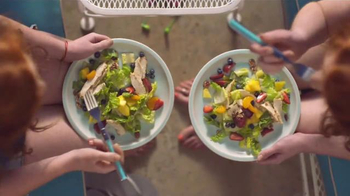 Panera Bread Strawberry Poppyseed Salad With Chicken TV Spot, 'Twins'