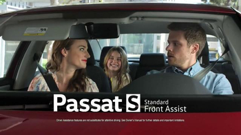 2017 Volkswagen Passat TV Spot, 'On the Road' Song by Willie Nelson - Thumbnail 4