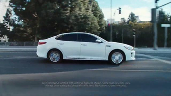 2017 Kia Optima TV Spot, 'Shoe Store' - Thumbnail 9