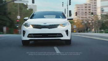2017 Kia Optima TV Spot, 'Shoe Store' - Thumbnail 8