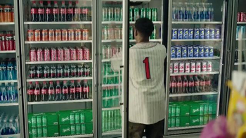 Sprite 2016 Lyrical Collection TV Spot, 'Pick a Can' Song by 2Pac - Thumbnail 6