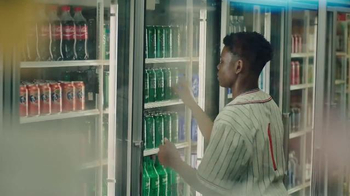Sprite 2016 Lyrical Collection TV Spot, 'Pick a Can' Song by 2Pac - Thumbnail 7