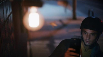 Apple iPhone 7 TV Spot, 'Midnight' Song by Hamilton Leithauser + Rostam - Thumbnail 4