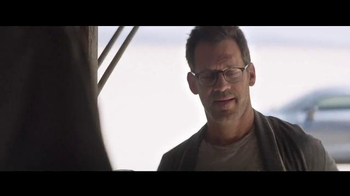 Audi R8 TV Spot, 'Airbnb: Desolation' - Thumbnail 6