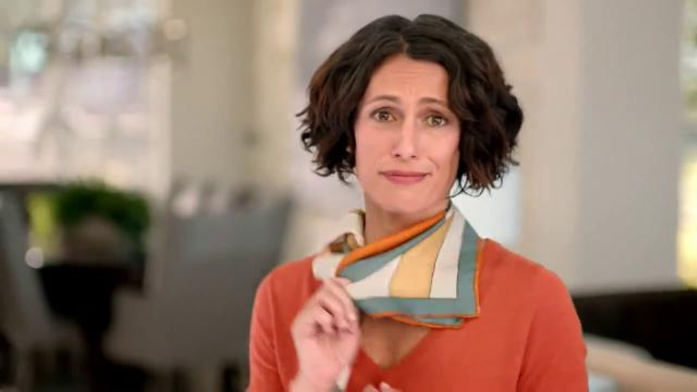 Gold Bond Ultimate Neck & Chest Firming Cream TV Commercial, 'Scarf'