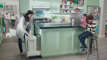 Febreze TV Spot, 'Does Your Kitchen Smell?'