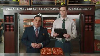 Little Caesars Pizza TV Spot, 'El chivo expiatorio corporativo' [Spanish]