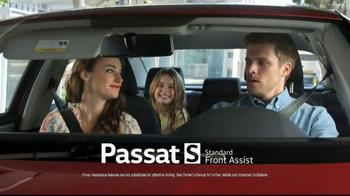 2017 Volkswagen Passat TV Spot, 'Presidents Day Bonus' - Thumbnail 4