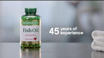 Nature's Bounty Fish Oil TV Spot, 'Treadmill' - Thumbnail 8