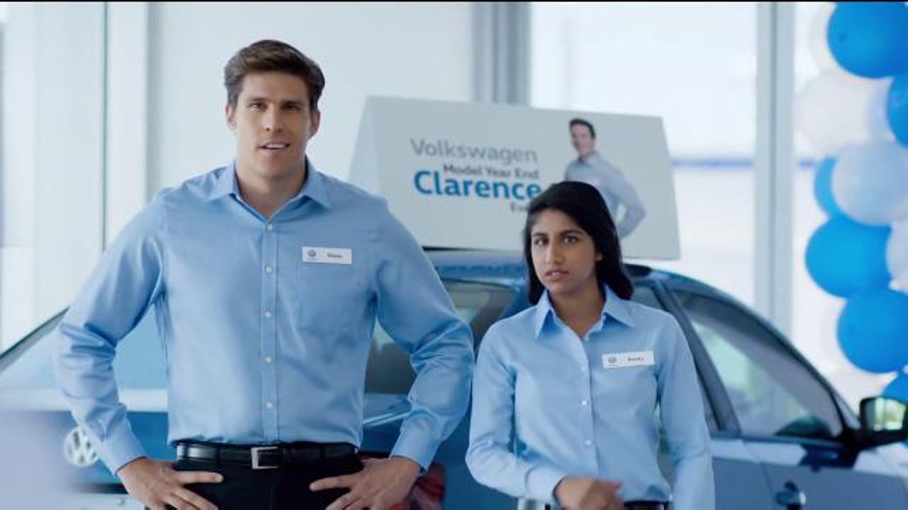 Volkswagen Model Year End Event TV Commercial, 'Clarence: Passat' - iSpot.tv