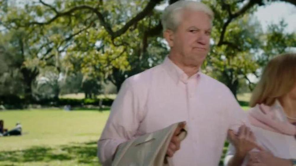 Popeyes Magnolia Blossom Chicken TV Commercial, 'El verano