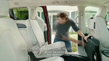 2017 Chrysler Pacifica TV Spot, 'That Guy: Stow 'N Go'