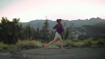 Fitbit Charge 2 TV Spot, 'Every Beat' Song by Montolieu - Thumbnail 5