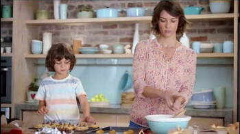 Hershey\'s Kisses TV Spot, \'Baking With Kisses\'